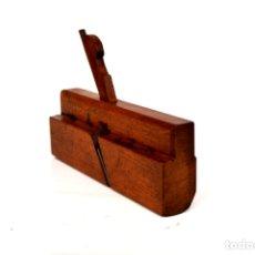 Antigüedades: CEPILLO MOLDURERO DE 24 CM DE LARGO POR 15 DE ALTO POR 4,5 DE ANCHO . Lote 166303330