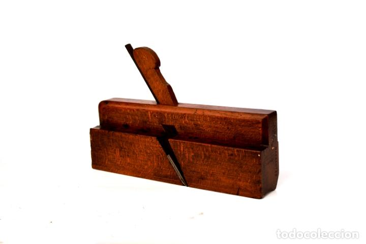 CEPILLO MOLDURERO DE 24 CM DE LARGO POR 15 DE ALTO POR 4,5 DE ANCHO (Antigüedades - Técnicas - Herramientas Profesionales - Carpintería )