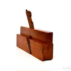 Antigüedades: CEPILLO MOLDURERO DE 24 CM DE LARGO POR 15 DE ALTO POR 3,5 DE ANCHO . Lote 166330258