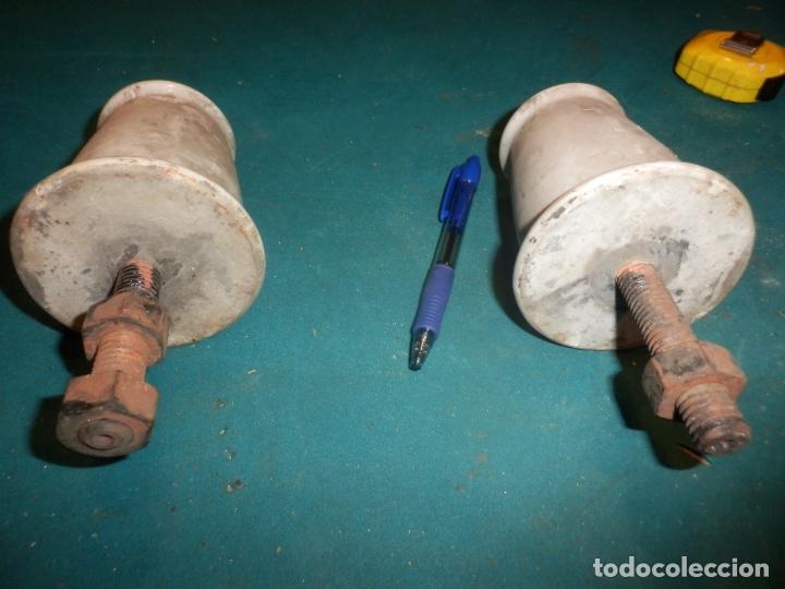 Antigüedades: AISLADOR PALOMILLA PORCELANA AISLANTE LUZ - LOTE DE DOS UNIDADES - 10 X 9,5 CM. - Foto 6 - 166600426