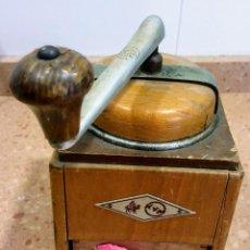 Antigüedades: MOLINILLO DE CAFE KYM, AÑOS 50. Lote 166636082
