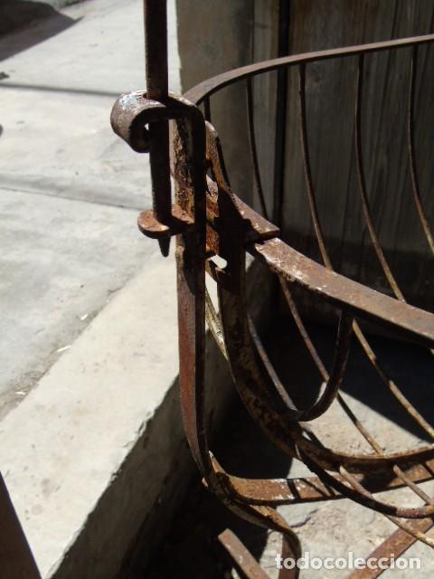 Antigüedades: cuna mueble de hierro forjado antiguo cuna con sistema de balancin pìeza de museo 100 % original - Foto 8 - 252228100