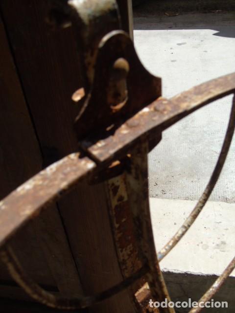 Antigüedades: cuna mueble de hierro forjado antiguo cuna con sistema de balancin pìeza de museo 100 % original - Foto 9 - 252228100