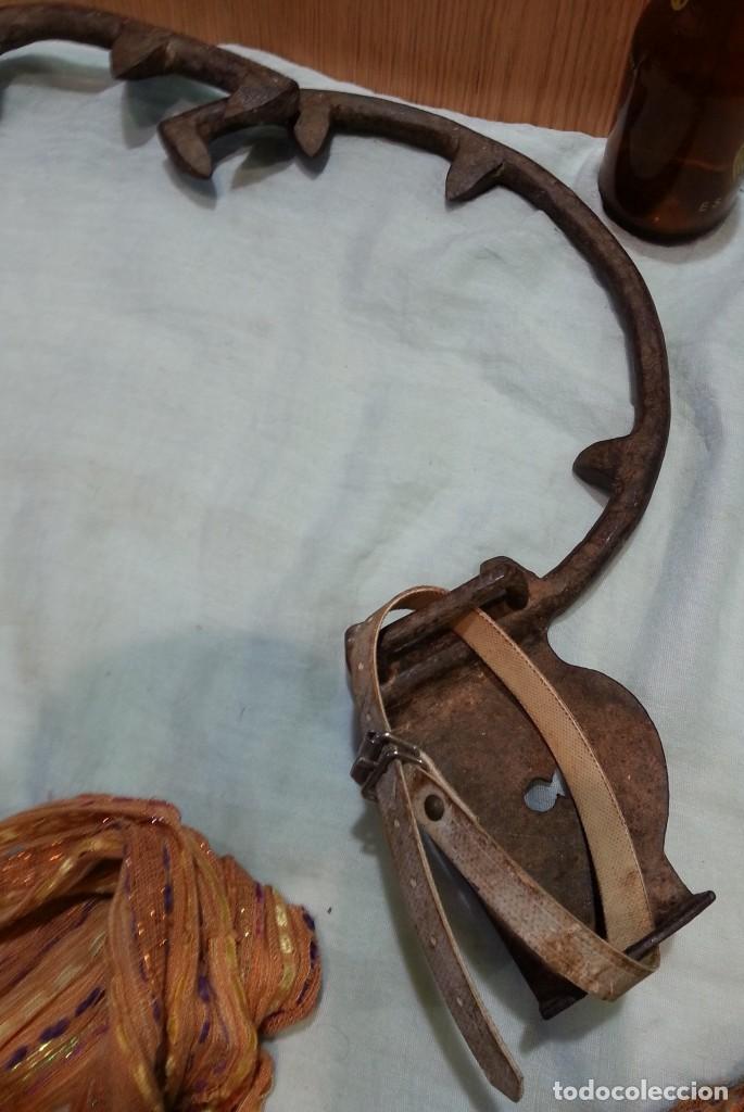 Antigüedades: Trepadores de hierro antiguos. Utensilios para subir por los postes de madera y algunos árboles. - Foto 3 - 166990212
