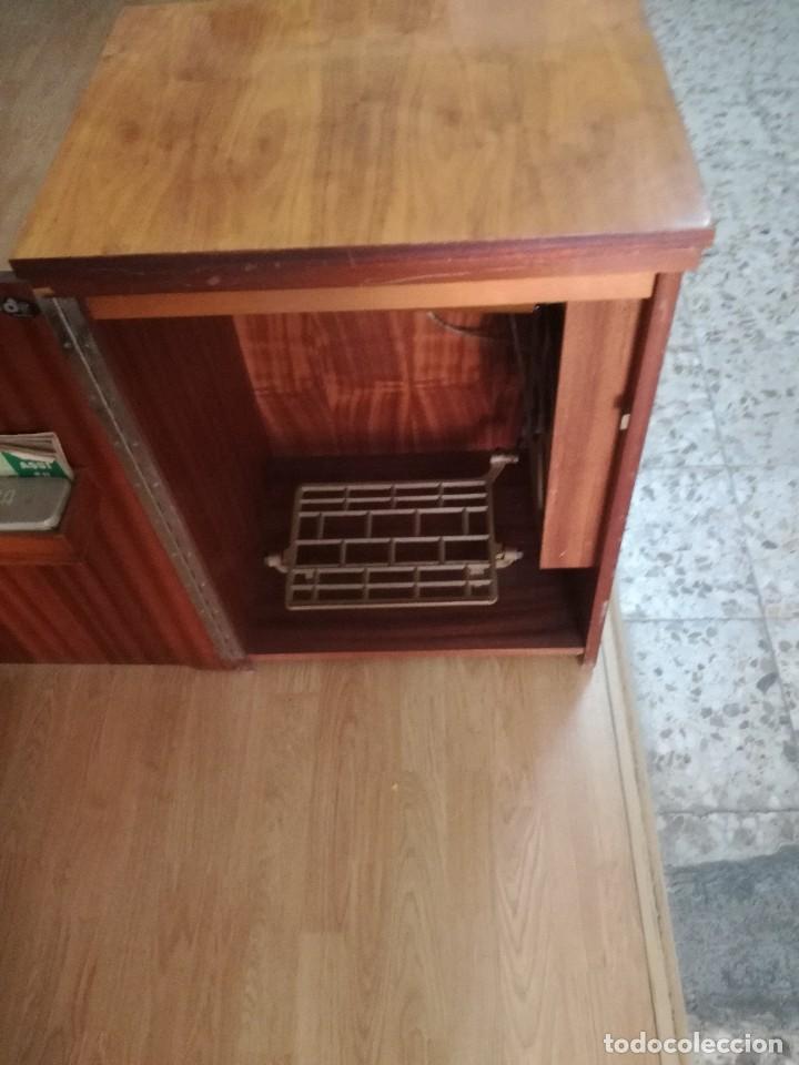 Antigüedades: Máquina de coser Alfa Classic, con mueble. - Foto 5 - 167006268