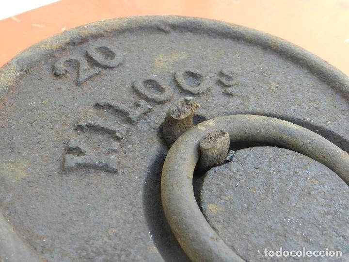 Antigüedades: PESA DE HIERRO 20 KILOS - Foto 3 - 167065552