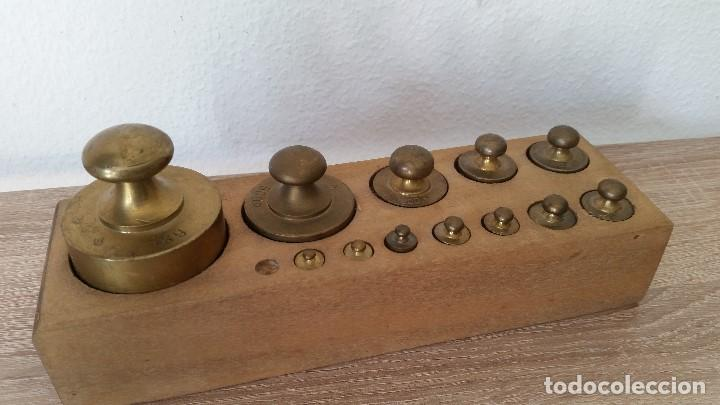 Antigüedades: ANTIGUIOS PESOS DE BALAZA, IMPEZA DE 1KG,500,200,100,50,40,20,10,5,2,LE FALTA 1LO MAS PEQUENO - Foto 3 - 167088876