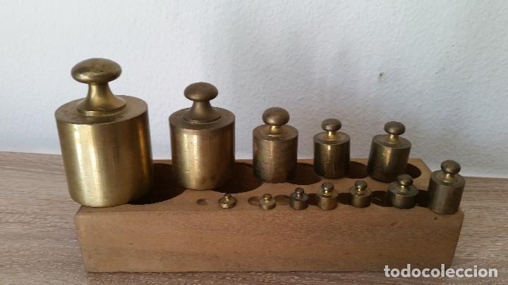 Antigüedades: ANTIGUIOS PESOS DE BALAZA, IMPEZA DE 1KG,500,200,100,50,40,20,10,5,2,LE FALTA 1LO MAS PEQUENO - Foto 6 - 167088876