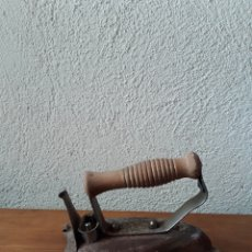 Antigüedades: ANTIGUA PLANCHA ELECTRICA FUEGO. Lote 167126869