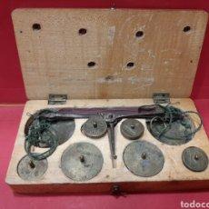 Antigüedades: BALANZA DE PESAS.. Lote 167161629