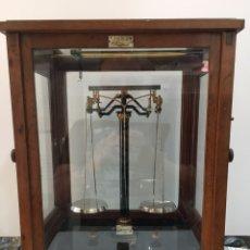 Antigüedades: BALANZA DE PRECISION F.SARTORIUS GOTTINGEN-AÑOS 30. Lote 167455408