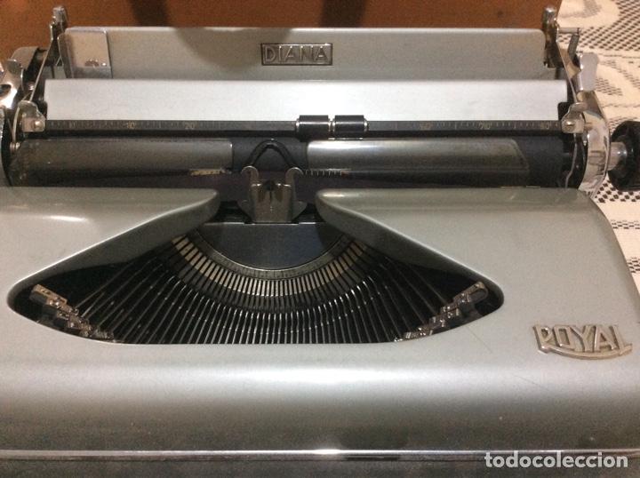 Antigüedades: Máquina de escribir Royal Diana. Con su funda de cuero. - Foto 3 - 167518396