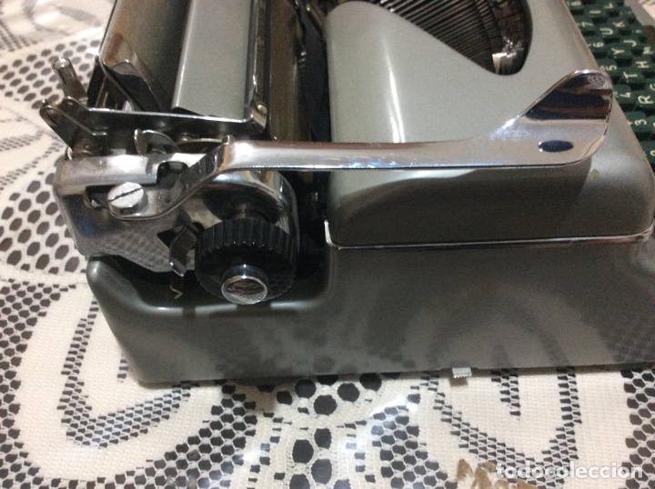 Antigüedades: Máquina de escribir Royal Diana. Con su funda de cuero. - Foto 5 - 167518396