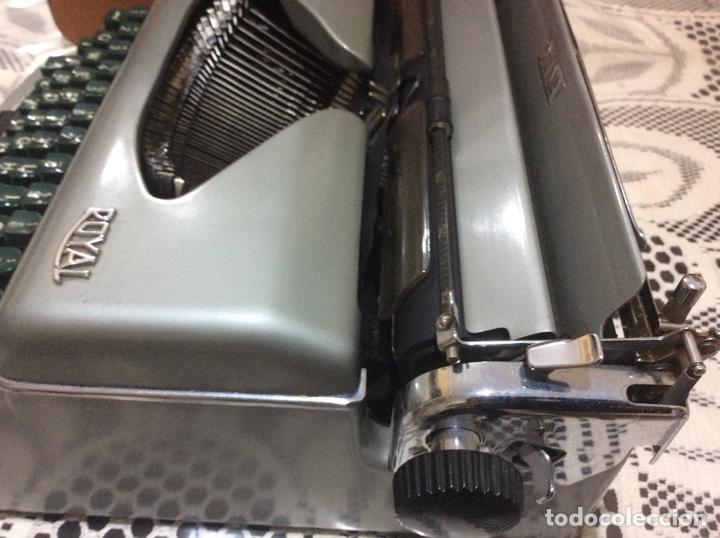Antigüedades: Máquina de escribir Royal Diana. Con su funda de cuero. - Foto 7 - 167518396