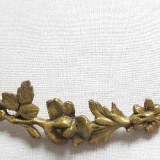 Antigüedades: EMBELLECEDOR BRONCE DORADO AL MERCURIO - FINALES SIGLO XIX. Lote 167611776