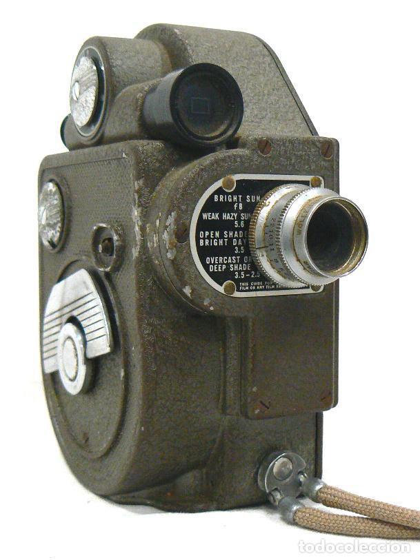 Antigüedades: Antigua y Pequeña cámara tomavistas de cine 8mm. Revere Eight Model 88 - Foto 6 - 167614112