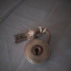 Antigüedades: ANTIGUO CANDADO ABUS 444/40,CON LLAVES ORIGINALES.. Lote 167755220
