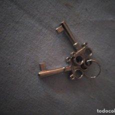 Antigüedades: JUEGO DE 2 LLAVES DE JOYERO,CAJA DE PUROS ETC,TUBO HUECO.MUY DIFÍCILES DE ENCONTRAR. Lote 167757436