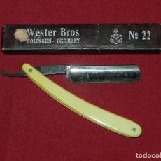 Antigüedades: (M) NAVAJA DE AFEITAR WESTER BROS SOLINGEN GERMANY N.22 CON ESTUCHE, VER FOTOGRAFIAS. Lote 167794964