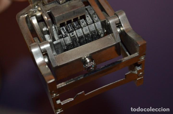 Antigüedades: ANTIGUO NUMERADOR CASCO MODELO 500 - 5 MM - EN CAJA ORIGINAL - MADE IN SPAIN - VINTAGE - MIRA! - Foto 10 - 167984548