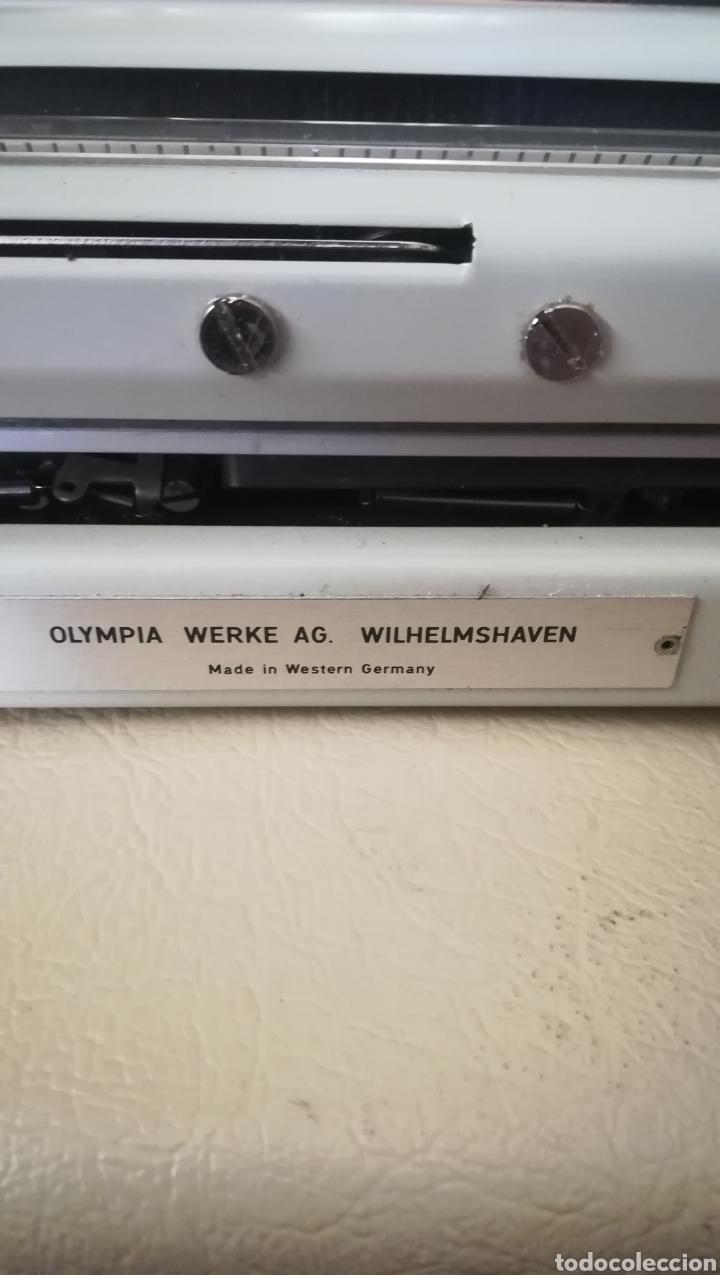 Antigüedades: Antigua máquina de escribir Olympia Splendid 33 - Foto 2 - 200178591
