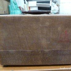 Antigüedades: PROYECTOR DE DIAPOSITIVAS BRUMBERGER. Lote 168177800