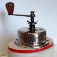 Antigüedades: MOLINILLO DE CAFÉ MARCA B.O. OUHRABKA. MODELO 70 T. CHECOSLOVAQUIA. CA. 1930. Lote 168222704