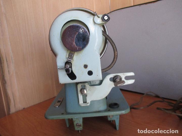 Antigüedades: ANTIGUA MAQUINA DE COSER ALGA MODELO 63 - Foto 15 - 168486084