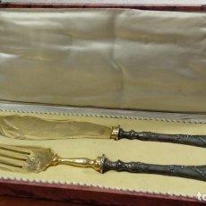 Antigüedades: JUEGO DE TENEDOR Y CUCHILLO TRINCHEROS EN PLATA VERMEIL. Lote 168493616