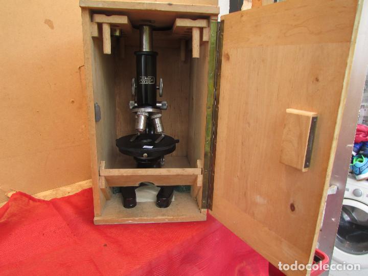 Antigüedades: Microscopio alemán C: ERBE del año 1938. Caja original con llave. Completo - Foto 3 - 168665672