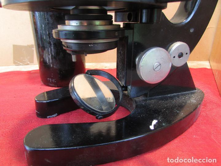 Antigüedades: Microscopio alemán C: ERBE del año 1938. Caja original con llave. Completo - Foto 8 - 168665672