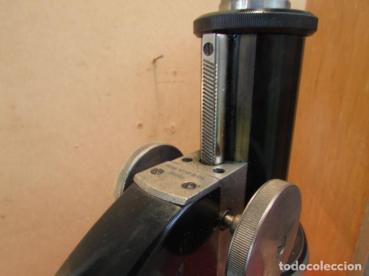 Antigüedades: Microscopio alemán C: ERBE del año 1938. Caja original con llave. Completo - Foto 9 - 168665672