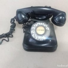 Teléfonos: TELÉFONO ANTIGUO NEGRO DE BAQUELITA. SOBREMESA 16 X 16 CTMS. Lote 168761912