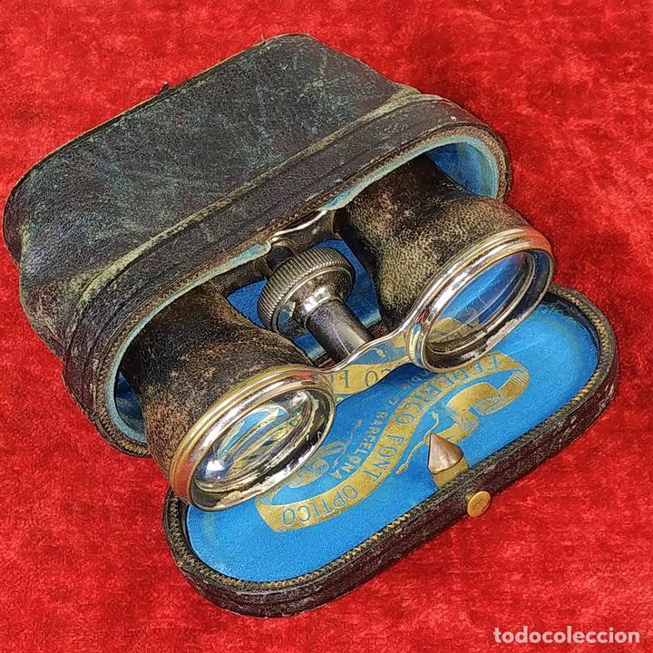 BINOCULARES DE ÓPERA. METAL CROMADO Y CUERO. FEDERICO FONT ÓPTICO. ESPAÑA. XIX-XX (Antigüedades - Técnicas - Instrumentos Ópticos - Binoculares Antiguos)
