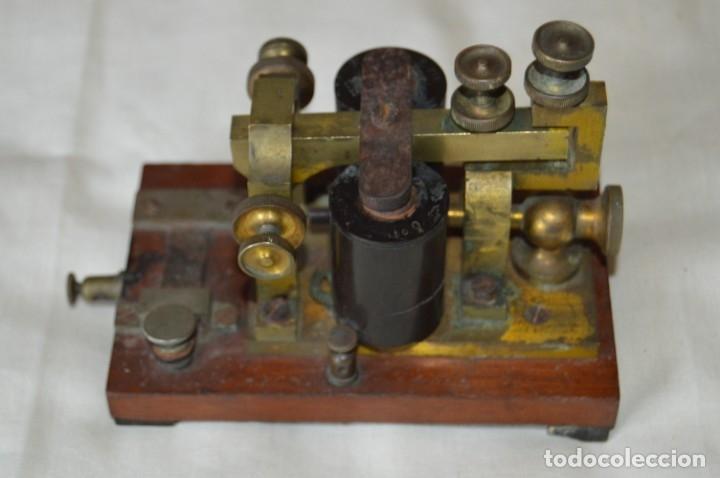 Antigüedades: Relé Telegráfico MAISON BREGUET - Finales 1800 RELAIS TELEGRAPHIQUE BAUDOT - EARLY TELEGRAPH RELAY - Foto 4 - 169177725