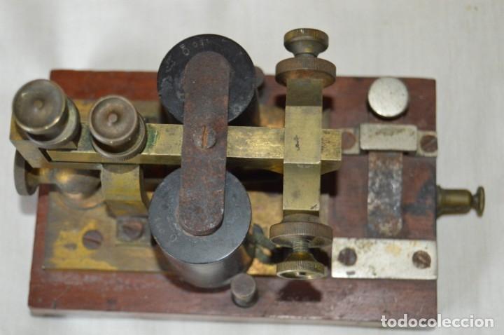 Antigüedades: Relé Telegráfico MAISON BREGUET - Finales 1800 RELAIS TELEGRAPHIQUE BAUDOT - EARLY TELEGRAPH RELAY - Foto 3 - 169177725