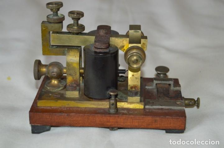 Antigüedades: Relé Telegráfico MAISON BREGUET - Finales 1800 RELAIS TELEGRAPHIQUE BAUDOT - EARLY TELEGRAPH RELAY - Foto 10 - 169177725