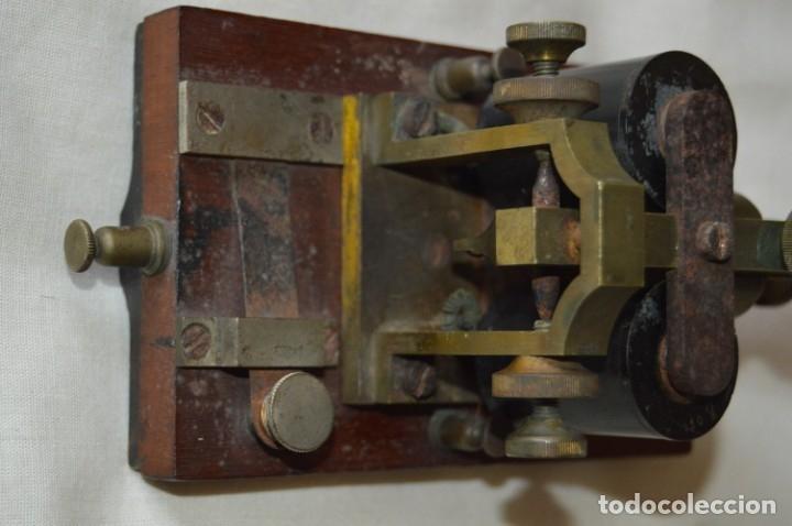 Antigüedades: Relé Telegráfico MAISON BREGUET - Finales 1800 RELAIS TELEGRAPHIQUE BAUDOT - EARLY TELEGRAPH RELAY - Foto 7 - 169177725
