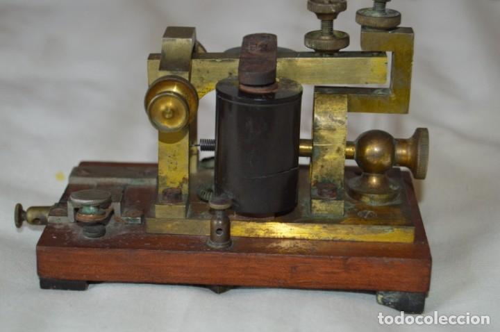 Antigüedades: Relé Telegráfico MAISON BREGUET - Finales 1800 RELAIS TELEGRAPHIQUE BAUDOT - EARLY TELEGRAPH RELAY - Foto 9 - 169177725