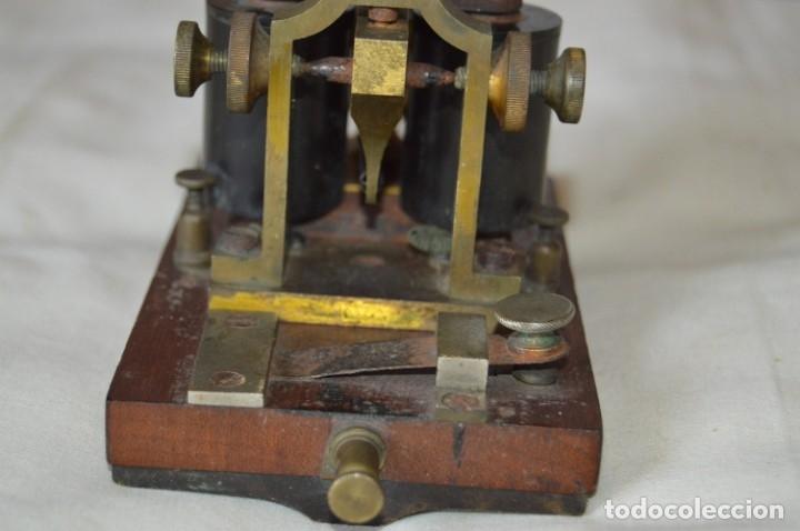 Antigüedades: Relé Telegráfico MAISON BREGUET - Finales 1800 RELAIS TELEGRAPHIQUE BAUDOT - EARLY TELEGRAPH RELAY - Foto 8 - 169177725