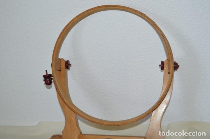 Antigüedades: VINTAGE - Antiguo BASTIDOR o TAMBOR de BORDAR, en madera, muy antiguo, mira fotos y detalles - Foto 2 - 169179136