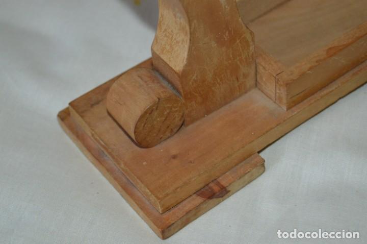 Antigüedades: VINTAGE - Antiguo BASTIDOR o TAMBOR de BORDAR, en madera, muy antiguo, mira fotos y detalles - Foto 7 - 169179136