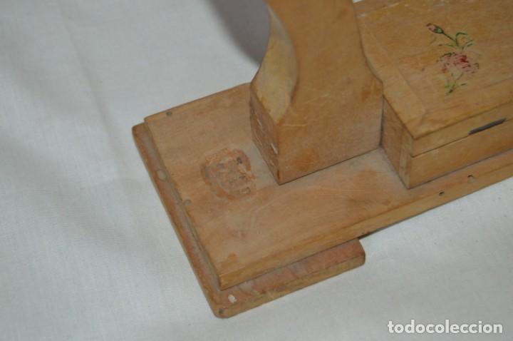 Antigüedades: VINTAGE - Antiguo BASTIDOR o TAMBOR de BORDAR, en madera, muy antiguo, mira fotos y detalles - Foto 9 - 169179136