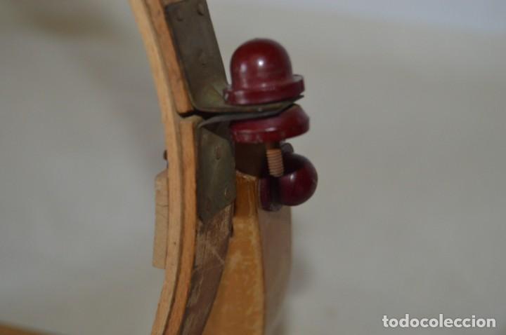 Antigüedades: VINTAGE - Antiguo BASTIDOR o TAMBOR de BORDAR, en madera, muy antiguo, mira fotos y detalles - Foto 11 - 169179136
