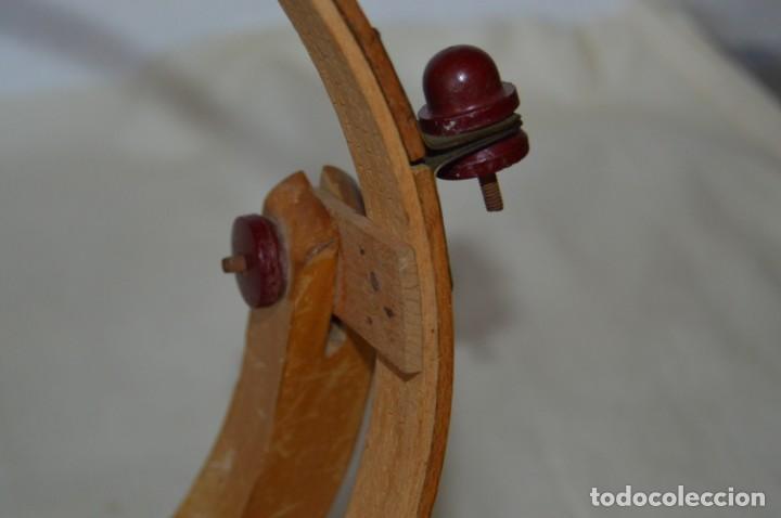 Antigüedades: VINTAGE - Antiguo BASTIDOR o TAMBOR de BORDAR, en madera, muy antiguo, mira fotos y detalles - Foto 12 - 169179136