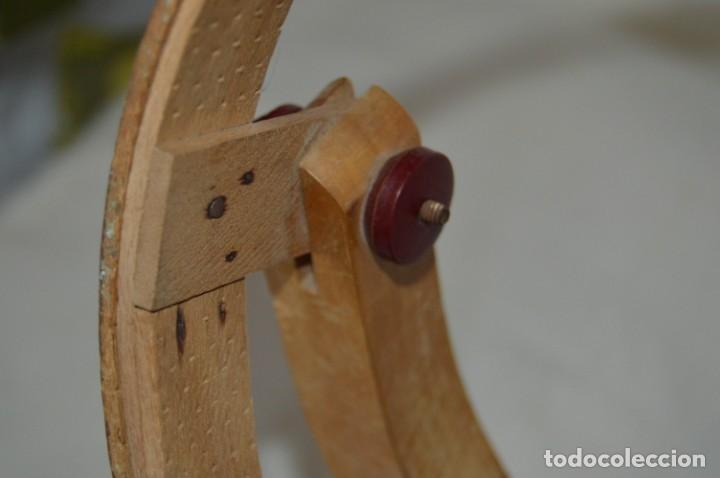 Antigüedades: VINTAGE - Antiguo BASTIDOR o TAMBOR de BORDAR, en madera, muy antiguo, mira fotos y detalles - Foto 13 - 169179136