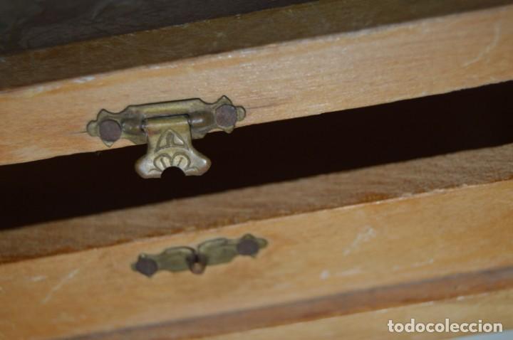 Antigüedades: VINTAGE - Antiguo BASTIDOR o TAMBOR de BORDAR, en madera, muy antiguo, mira fotos y detalles - Foto 15 - 169179136
