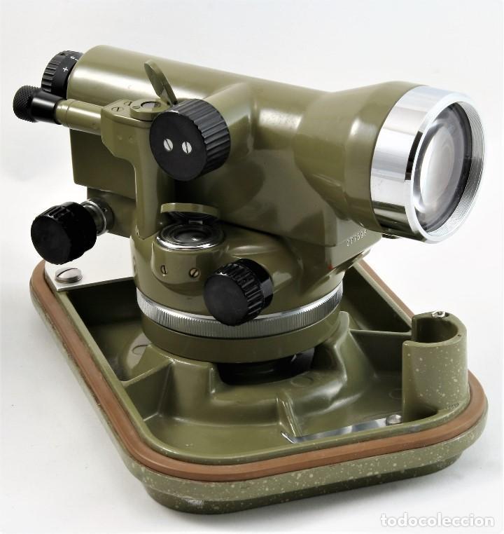 NIVEL ÓPTICO KERM MODELO GK23C SUIZO (Antigüedades - Técnicas - Otros Instrumentos Ópticos Antiguos)