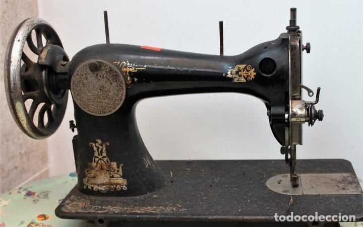 Antigüedades: Antigua máquina de coser Singer. - Foto 2 - 254166480