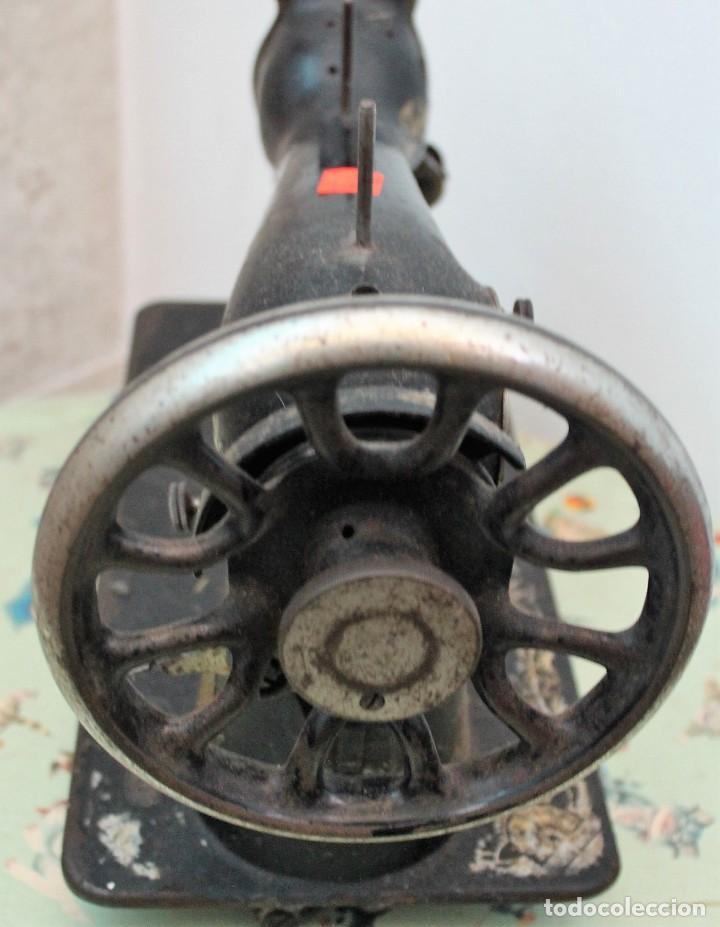 Antigüedades: Antigua máquina de coser Singer. - Foto 4 - 254166480